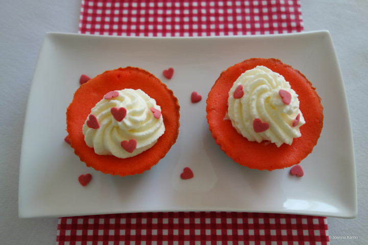 Cheesecake-Muffins mit Oreokeksboden
