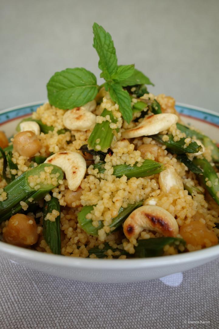Couscous-Spargel-Kichererbsen-Salat