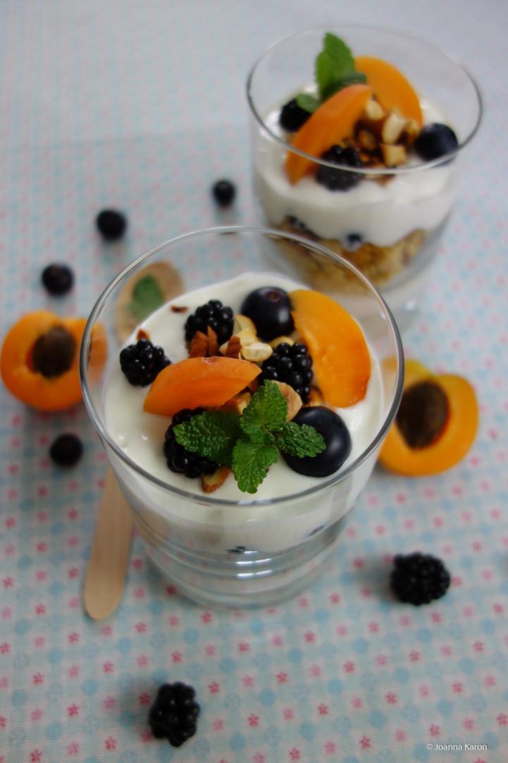 Aprikosen-Nuss-Couscous-Dessert