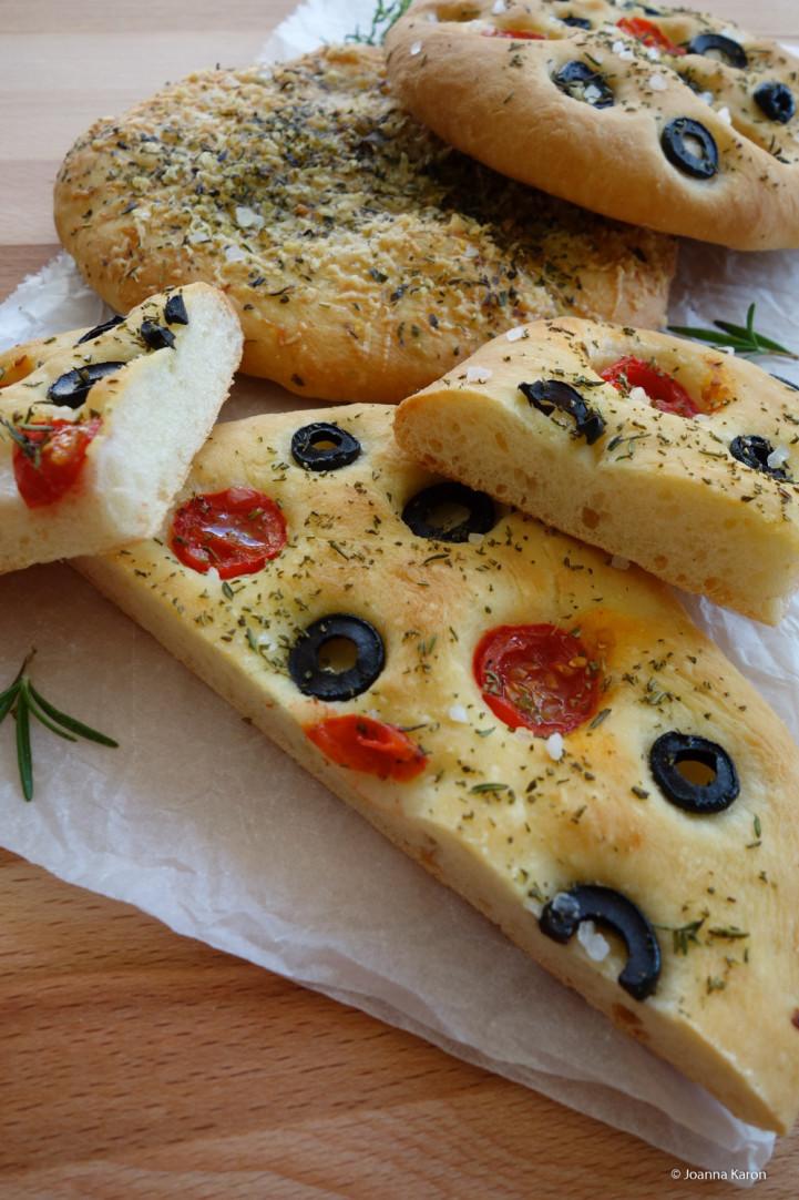 Gefüllte Spitzpaprika mit Focaccia