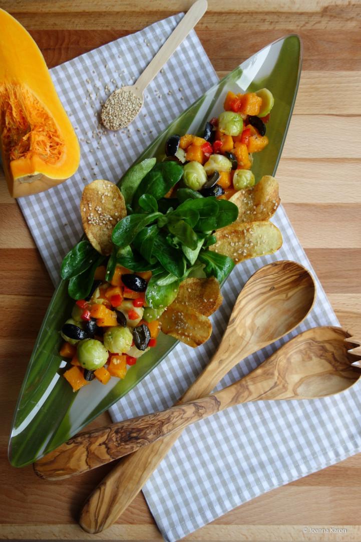 Rosenkohlsalat mit Kürbis und Oliven