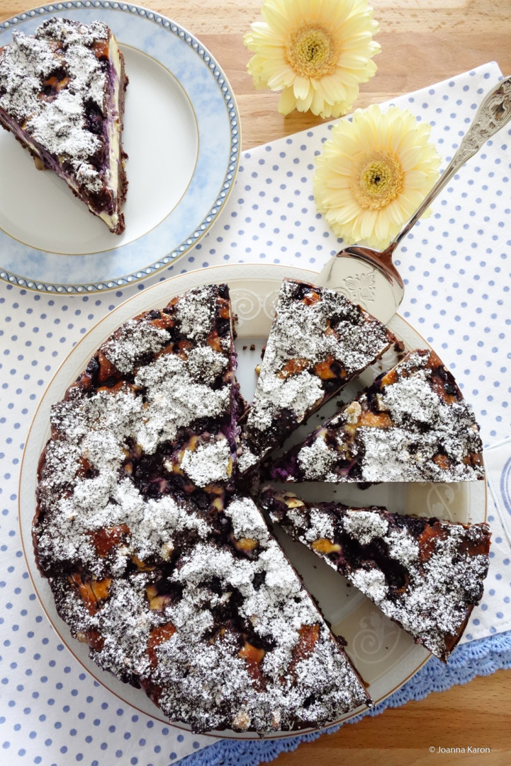 Cheesecake-Brownies mit Blaubeeren