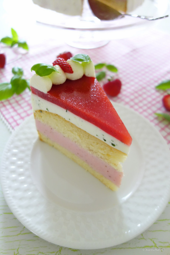 Erdbeer-Basilikum-Torte