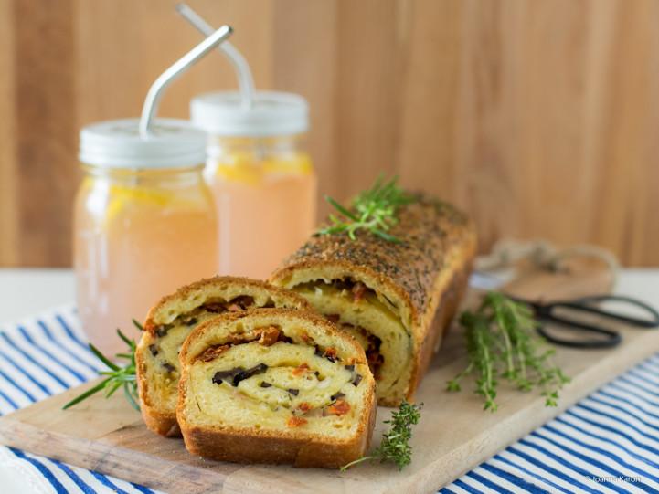 Pikantes Oliven-Tomaten-Brot